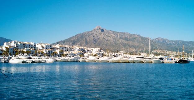Hafen von Nueva Andalucia